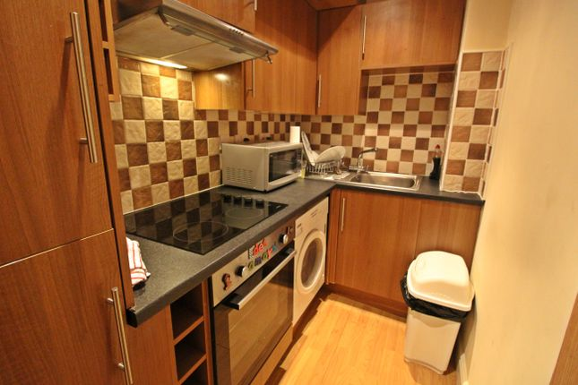 1 bed flat to rent in North Road, Cathays, Cardiff CF14