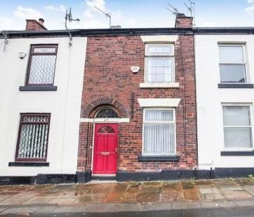 Thumbnail Terraced house to rent in Stockport Road, Hyde