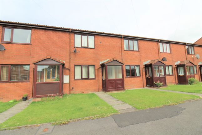 2 bed terraced house to rent in The Conifers, Hambleton FY6