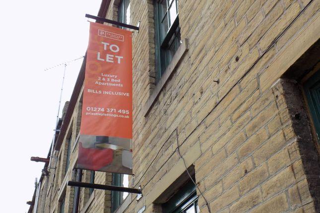 Thumbnail Flat to rent in Quebec Street, Bradford