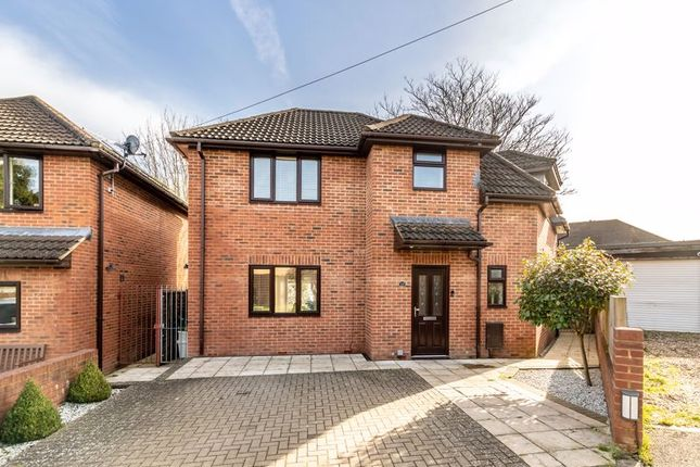 3 bed detached house for sale in Daleside Close, Chelsfield, Orpington BR6