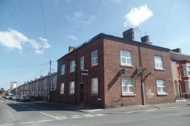 Flat to rent in Peel Road, Bootle
