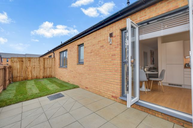 2 bed bungalow to rent in Scholars View, Hetton DH5