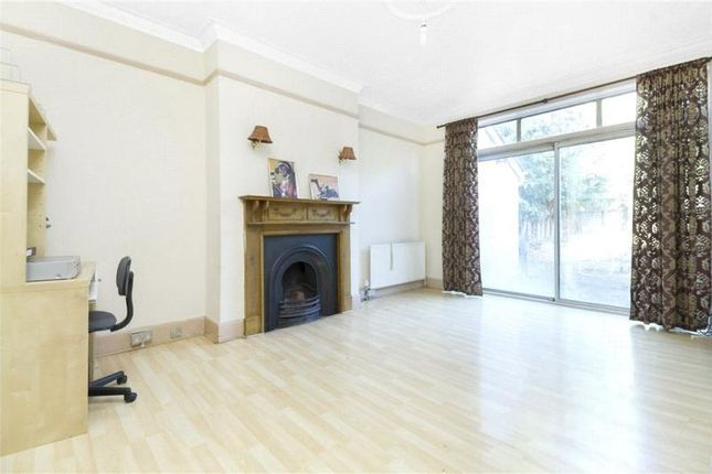 Thumbnail Flat to rent in Heathdene Road, Streatham, London