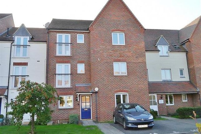 Thumbnail Flat to rent in Marina Way, Abingdon-On-Thames