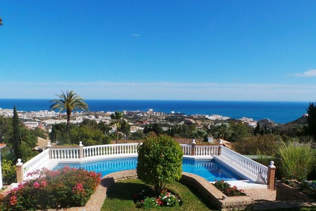 Thumbnail Villa for sale in Spain, Málaga, Benalmádena, Benalmádena Pueblo