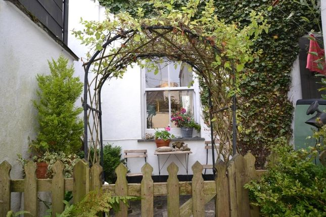 Thumbnail Cottage for sale in Princes Square, Looe