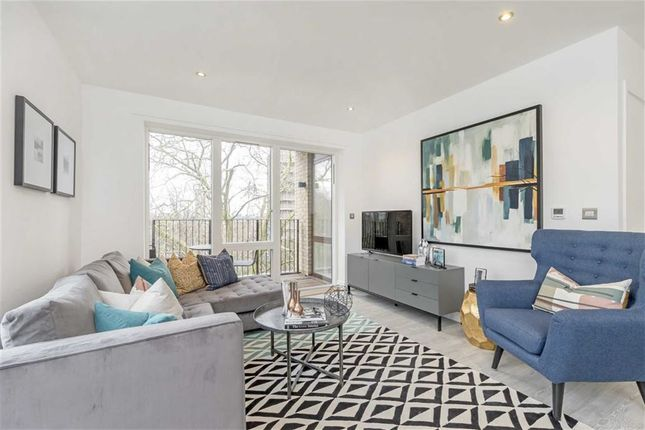 Thumbnail Flat for sale in Lansdowne Drive, London