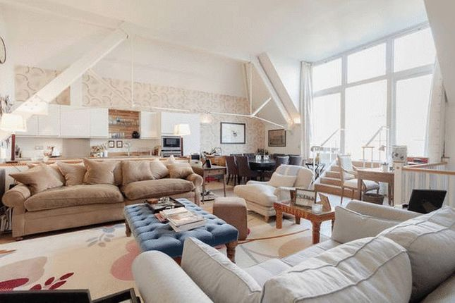 Thumbnail Flat for sale in Mountford Mansions, Battersea Park Road, London