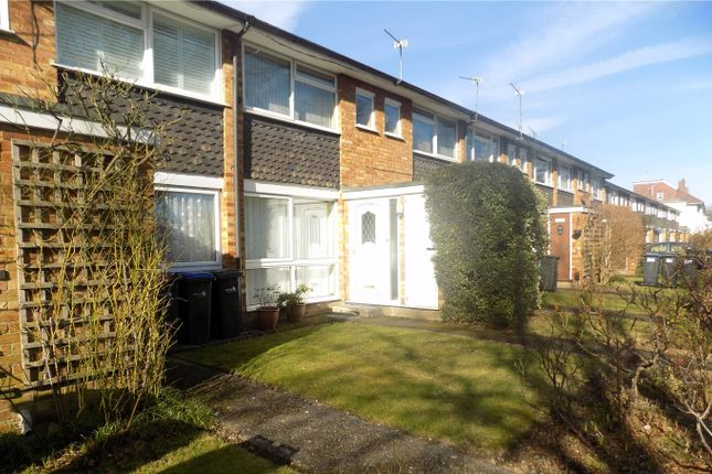 Thumbnail Maisonette for sale in Chase Side, Enfield