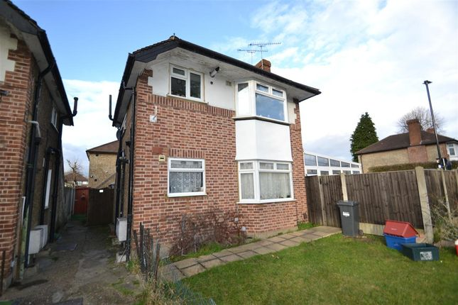 2 bed maisonette to rent in Staines Road, Bedfont, Feltham