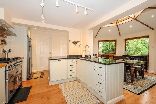 Thumbnail Detached house to rent in Oaklands Close, Ascot
