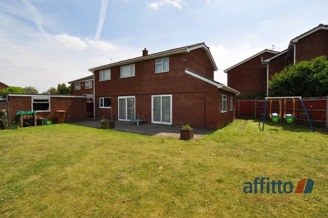 Thumbnail Shared accommodation to rent in Meadowbank, Hitchin