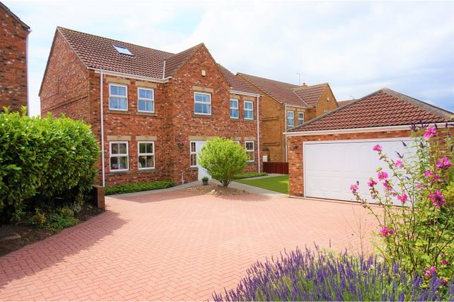 Thumbnail Detached house for sale in Cliff Drive, Scunthorpe