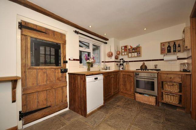 Kitchen of Lowden, Chippenham SN15
