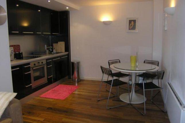 2 bed flat to rent in West Point, Wellington Street, Leeds