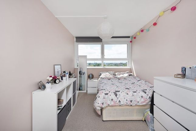 Bedroom of Little Dimocks, London SW12