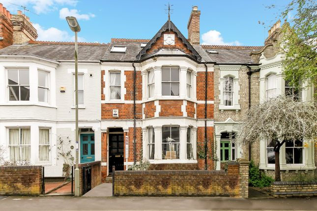 Thumbnail Terraced house for sale in Divinity Road, East Oxford
