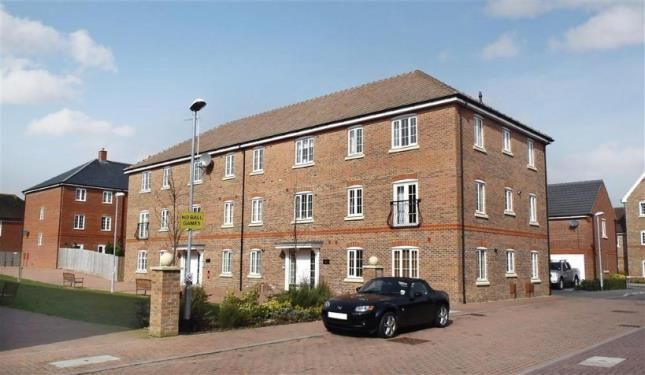 Thumbnail Flat for sale in Hampton House, The Boulevard, Tangmere, Chichester