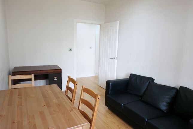 Flat to rent in London Road, Wembley