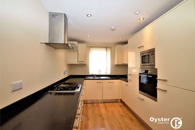 Thumbnail Terraced house to rent in High Road, London