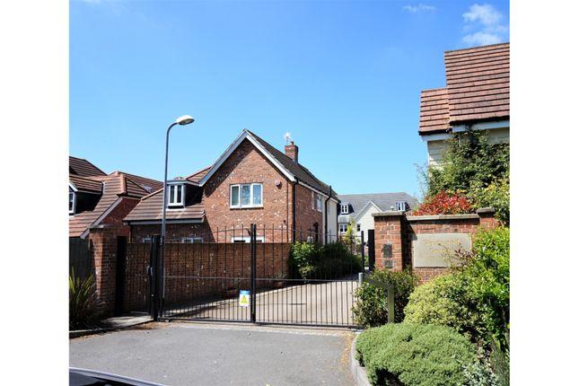 Thumbnail Flat for sale in Westwood Close, Lenham, Maidstone