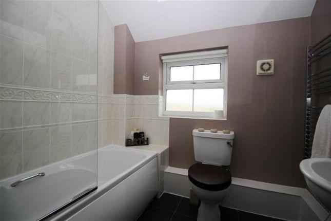 Bathroom of Broadlands Place, Pudsey LS28