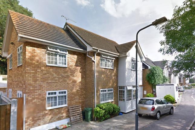 Studio to rent in Roding Lane South, Redbridge Ilford
