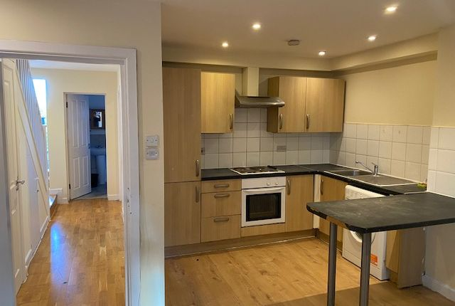Thumbnail Flat to rent in High Street North Eastham, London