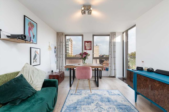 1 bed flat for sale in Grove House, Frampton Park Road, Hackney, London E9