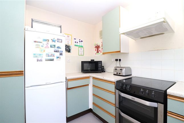 Picture No. 24 of Shirebrook Close, Wood End, Coventry CV2