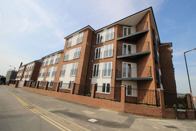 Thumbnail Flat to rent in Stoke Gardens, Slough