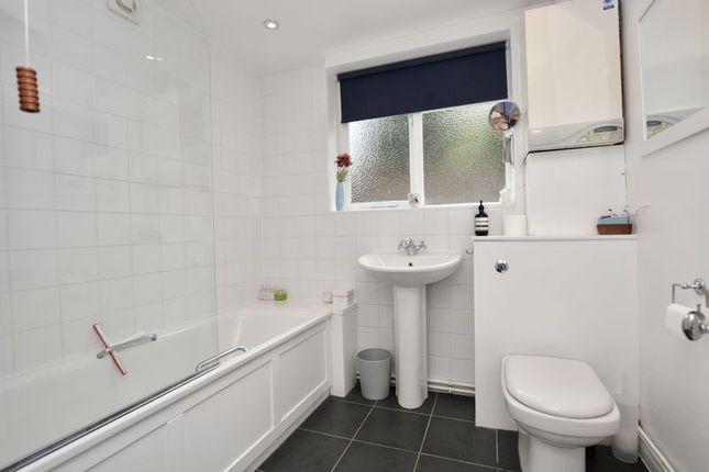 Bathroom of Garden Flat, Kingston Road, Teddington TW11