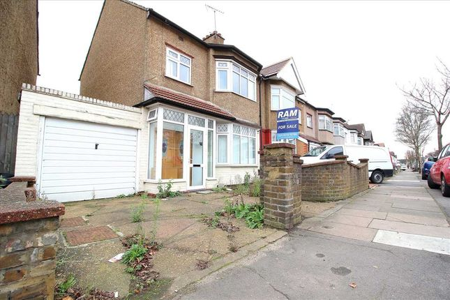Main Picture of Ashurst Drive, Gants Hill, Ilford IG2