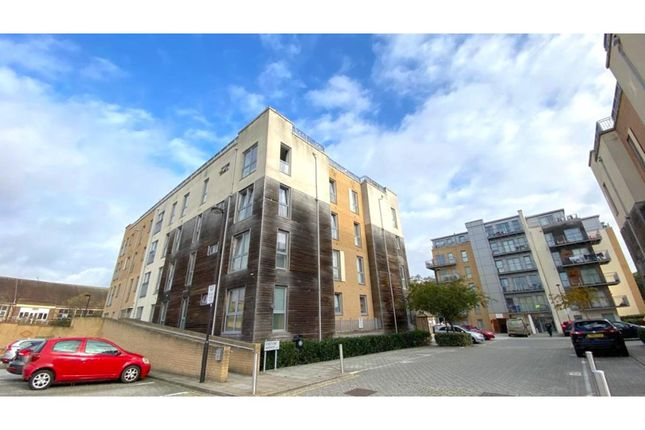 Thumbnail Flat to rent in 23 Fortune Avenue, Edgware