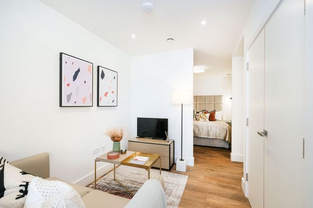 Studio for sale in Ascot House, Mill Mead, Staines Upon Thames TW18