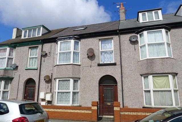 Thumbnail Flat to rent in Kinmel Street, Rhyl