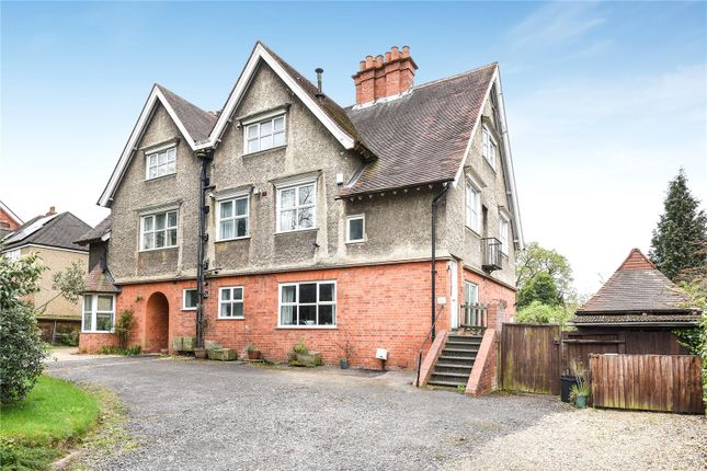 Picture No. 12 of Shinfield Road, Reading, Berkshire RG2
