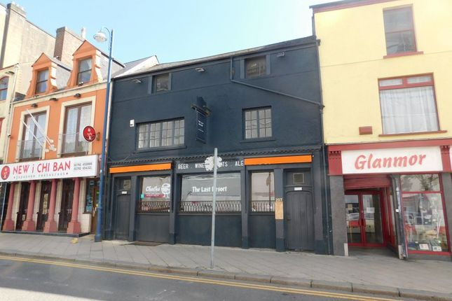 Thumbnail Leisure/hospitality to let in Tom Williams Court, High Street, Swansea