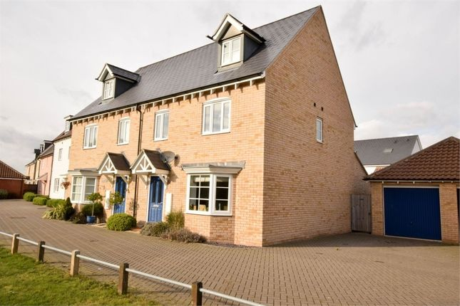 4 bed town house for sale in Lungley Rise, Colchester, Essex