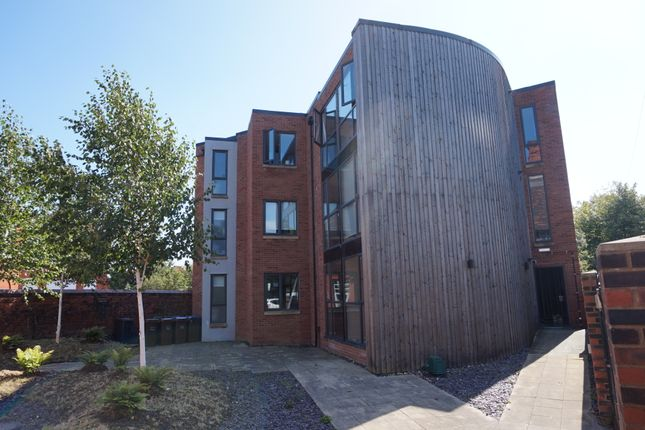Thumbnail Shared accommodation to rent in 21 Bolton Road, Salford