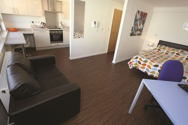 Thumbnail Flat to rent in High Kingsdown, Kingsdown, Bristol