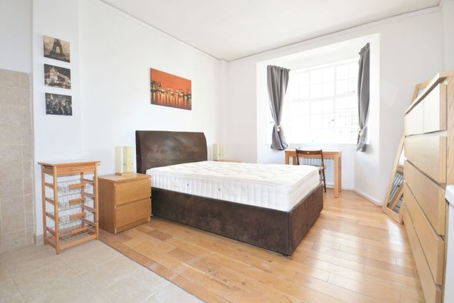 Studio to rent in Woburn Place, London WC1H