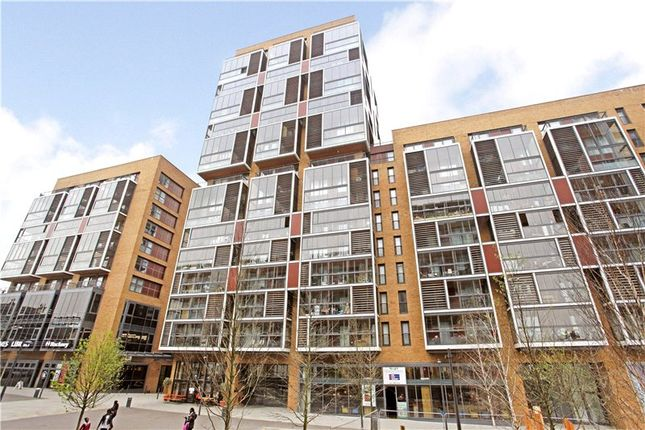 2 bed flat for sale in Gaumont Tower, Dalston E8