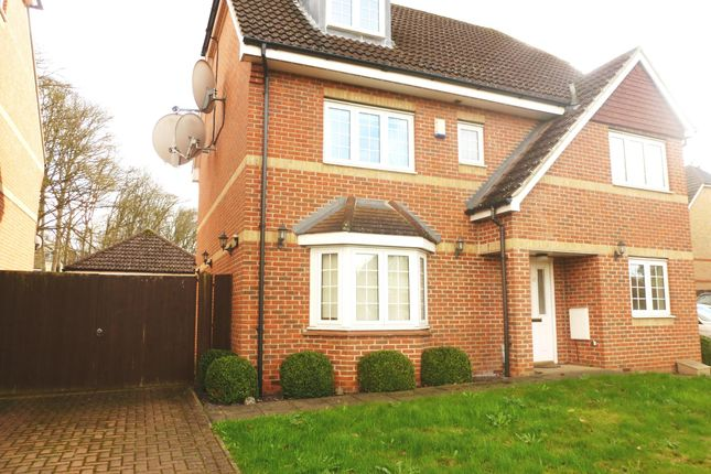 Thumbnail Property to rent in Wellsfield, Bushey