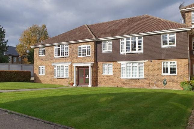 3 bed flat for sale in Waverley Road, Enfield EN2