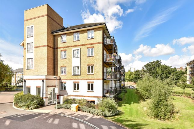 Thumbnail Flat for sale in Radcliffe House, 3 Worcester Close, London