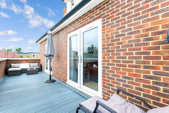 Thumbnail Flat for sale in Flaxfield House, Southwater