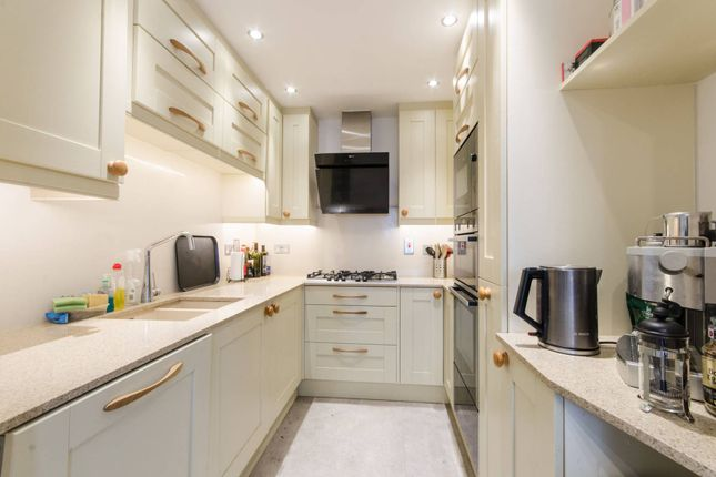 2 bed flat for sale in Cottage Close, Harrow On The Hill, Harrow HA2