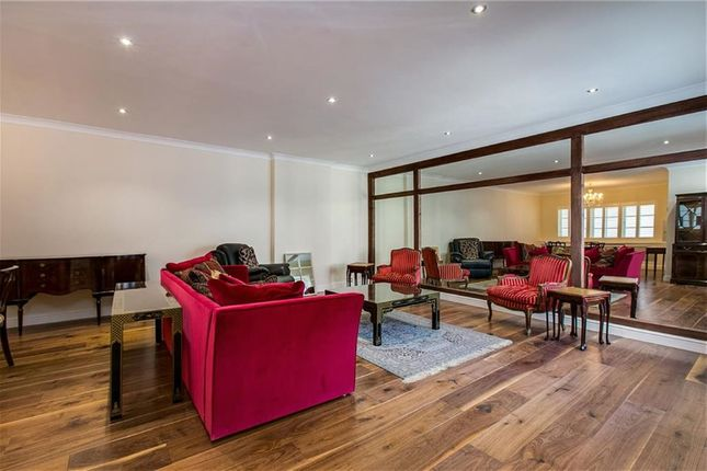 Thumbnail Flat to rent in Hollywood Mews, Chelsea, Chelsea, London